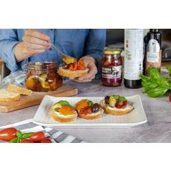 Marineeritud vahemerepärased köögiviljad oliividega